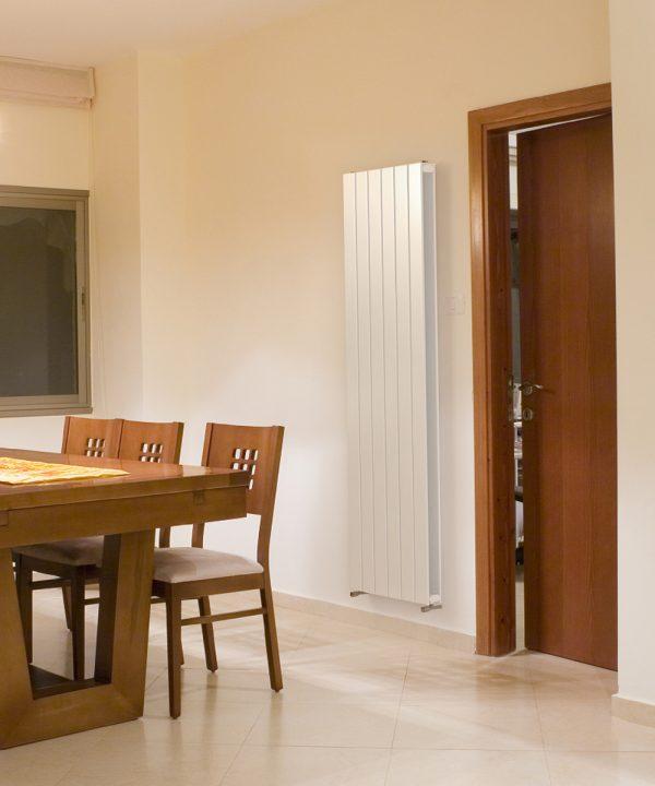 Slieve V20 white dining room